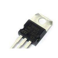 LM7815 voltage regulator