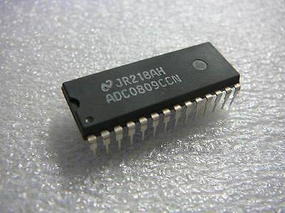 ADC0809CCN 28 Pin Integrated Circuit